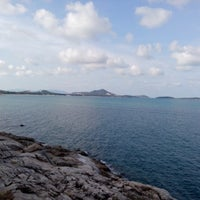 Photo taken at Lad Koh Viewpoint Samui Island by Ling 蔡. on 3/31/2013