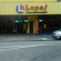 Photo taken at Supermercado Lopes by Fábio N. on 3/30/2014