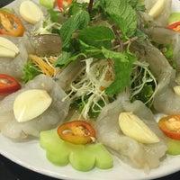 Photo taken at หัวปลาหม้อไฟ เชียงใหม่ by Amika on 12/12/2016