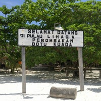 Photo taken at Pulau Lihaga (Lihaga Island) by Sergei S. on 6/27/2015