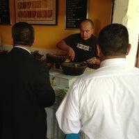 Foto tirada no(a) Tacos Hola! por Salvador D. em 2/11/2013