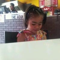 Photo taken at Beverly Burgers Villafloresta by Eduardo R. on 9/23/2012