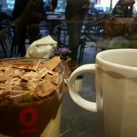 12/7/2016 tarihinde Özge Ö.ziyaretçi tarafından EspressoLab'de çekilen fotoğraf