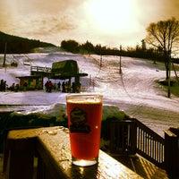 Foto tomada en Bolton Valley Main Base Lodge por Joanna K. el 1/12/2013
