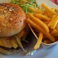 Photo prise au Café des Anges par Burger A. le4/21/2013