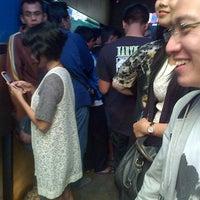 Photo taken at Digital Lounge (DILO) by Teuku M. on 4/13/2013