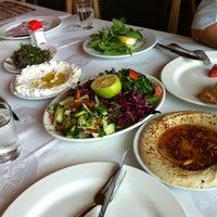 6/14/2013 tarihinde Hakan A.ziyaretçi tarafından Kuzeytepe Nuri Restaurant'de çekilen fotoğraf