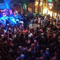 7/28/2013 tarihinde Hasan O.ziyaretçi tarafından Havana Club'de çekilen fotoğraf