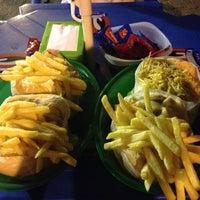 Photo taken at Ug-Ug Burger by Ygor S. on 1/29/2014