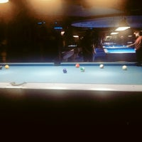 Foto diambil di Ha Ha Billiard And Bar oleh Dwi S. pada 11/26/2016