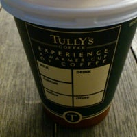 Photo taken at TULLY'S COFFEE 早大理工店 by Hiro M. on 10/22/2012