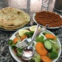 Photo taken at مطعم شباب المبارك by الحبيب on 5/1/2013