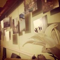 Снимок сделан в Арт-кафе «5 комнат» пользователем Ksenia🍒 7/1/2013