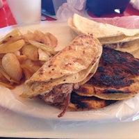 Foto tomada en Tacos El Ranchero por Jesus G. el 3/17/2013