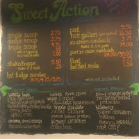 Foto tirada no(a) Sweet Action Ice Cream por Steven S. em 6/26/2013