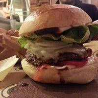 Foto scattata a Borgo Burger da Federica L. il 4/5/2014