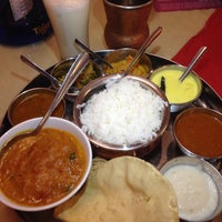 Photo taken at Mumtaz Halal Indian Restaurant by Masato I. on 2/24/2015