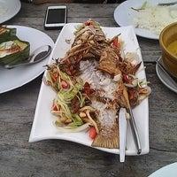 Photo taken at Fresh Restaurant @ Lanta Old Town by Yoswarit N. on 2/23/2013