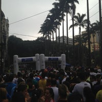 Photo taken at Circuito Popular de Corrida de Rua Cidade de SP by Walter A. on 4/7/2013