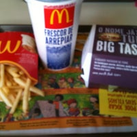 Photo taken at McDonald's by Janaina L. on 8/5/2013