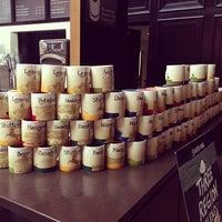 Das Foto wurde bei Starbucks von Matvey am 6/29/2013 aufgenommen
