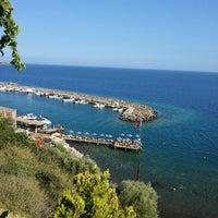 8/9/2013 tarihinde Asli I.ziyaretçi tarafından Assos Antik Liman'de çekilen fotoğraf