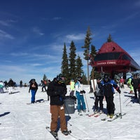 Photo taken at Summit Deck & Grill at Northstar California™ Resort by Tom M. on 2/5/2017