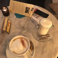 Das Foto wurde bei Chocolaterie Yilliy von Defne E. am 10/30/2017 aufgenommen