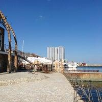 3/17/2013 tarihinde Beryziyaretçi tarafından Яхт-клуб «Посейдон»'de çekilen fotoğraf