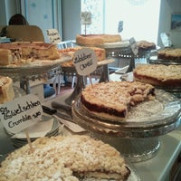 3/24/2013にAndrea B.がPure Living Bakeryで撮った写真