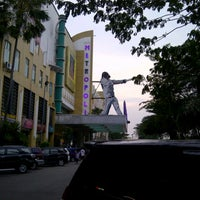 Photo taken at Metropolis Town Square by √ênniέ •̃⌣•̃‎​ √ҼĻõ√Ҽ ^. on 5/5/2013