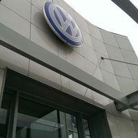 Photo taken at Volkswagen Genser by Владимир А. on 9/1/2014