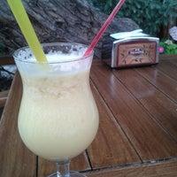 5/18/2013 tarihinde Emre K.ziyaretçi tarafından Hisarönü Cafe'de çekilen fotoğraf