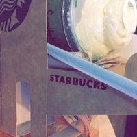 Photo taken at Starbucks by Tengku Samihah on 2/4/2017