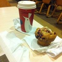 Photo prise au Starbucks Coffee par Kristi M. le4/14/2013