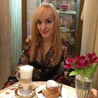 Photo taken at Zavida Coffee by Karina 💗 on 3/20/2013