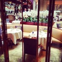 Photo prise au Park Hyatt Paris-Vendôme par Delphine R. le11/22/2012