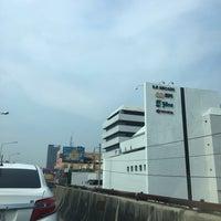 Photo taken at Ramkhamhaeng Road Elevated by Pola S. on 10/13/2016