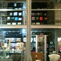 Foto diambil di MUMEDI Café & Shop oleh Alondra M. pada 7/17/2013
