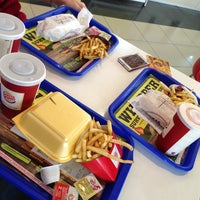 Photo taken at Burger King by Sewin on 4/6/2013