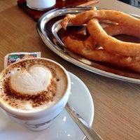 Foto tomada en Cafetería Churrería El Artesano por Rocyo R. el 2/16/2015