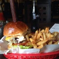 Foto scattata a Red Iron Burgers da Maan A. il 11/13/2013