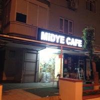 Photo taken at Midye Cafe by SEZGİN ÇITIRKI on 4/28/2013