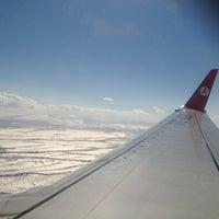 3/21/2013 tarihinde Umut E.ziyaretçi tarafından Kars Harakani Havalimanı (KSY)'de çekilen fotoğraf