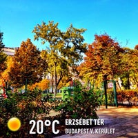 Foto scattata a Erzsébet tér da Antal K. il 10/21/2013