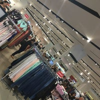 Photo taken at Forever 21 by Marcio F. on 9/23/2017