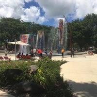 Photo taken at Parque Luis Muñoz Marín by Angel V. on 8/7/2016