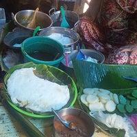Photo taken at Pasar Atum by onteng o. on 3/4/2013