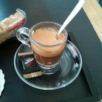 Photo prise au Caffè Vergnano 1882 par Carlos G. le6/9/2013