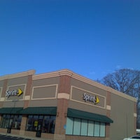 Photo taken at Sprint Store by Justin O. on 11/29/2012
